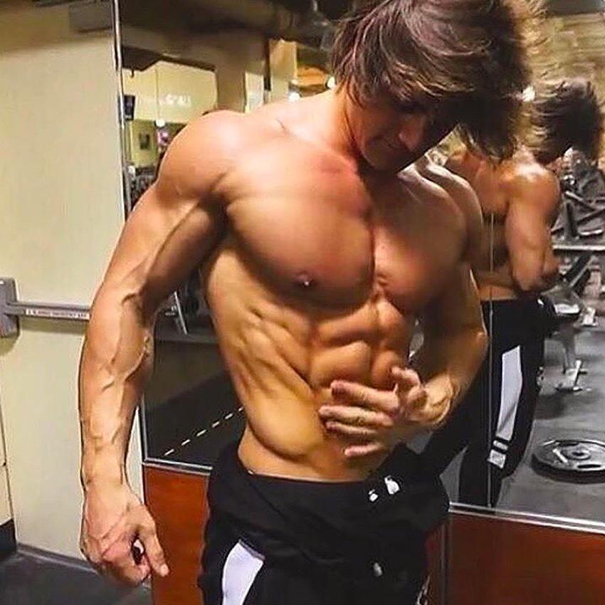 Aesthetic bodybuilders